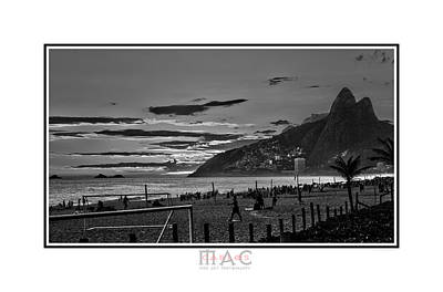 Photograph - 1801b by Carlos Mac