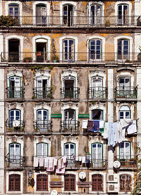 Old Window Photograph - 18th Century Building In Lisbon by Jose Elias - Sofia Pereira