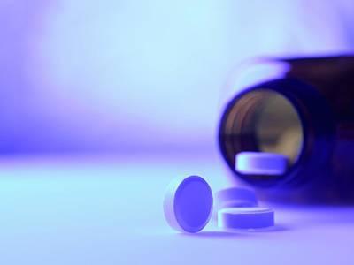 Pill Photograph - Pills by Tek Image