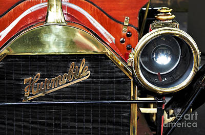 Photograph - 1910 Hupmobile Model 20 Grill Emblem by Kaye Menner