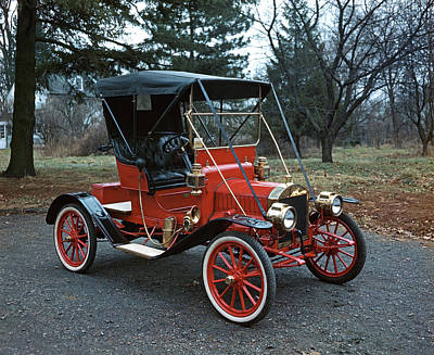 Ford Model T Car Photograph - 1910s Antique Red Ford Model T Roadster by Vintage Images