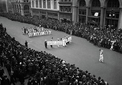 1910s Photograph - 1910s Overhead View Of A Large Crowd by Vintage Images