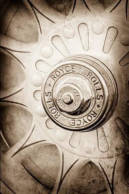 Photograph - 1914 Rolls-royce 40-50 Silver Ghost Landaulette Wheel Emblem by Jill Reger