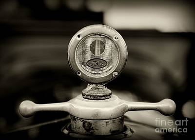 1919 Ford Model T Hood Ornament In Black And White Art Print