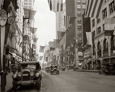 The Main Photograph - 1920s 1926 Downtown Chicago State by Vintage Images