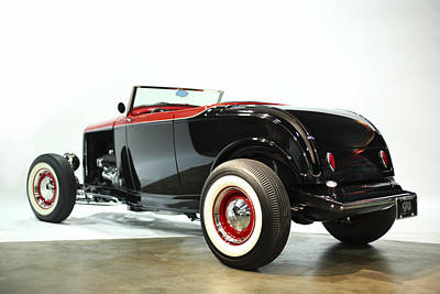 Photograph - 1932 Ford Deuce Roadster by Gianfranco Weiss