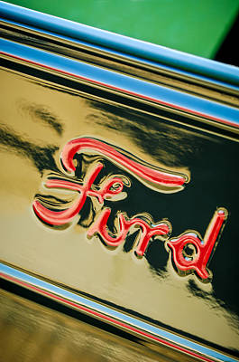 1932 Ford Photograph - 1932 Ford Emblem - 0751c by Jill Reger