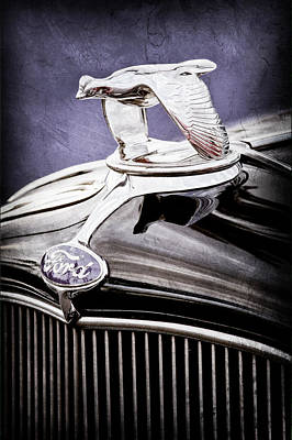 1932 Ford V8 Hood Ornament - Emblem Art Print