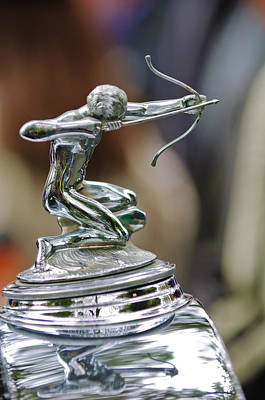 Hood Ornament Photograph - 1933 Pierce-arrow 1236 2-door Convertible Coupe Hood Ornament by Jill Reger