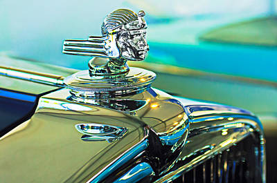 Car Mascots Photograph - 1933 Stutz Dv-32 Hood Ornament by Jill Reger