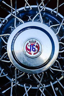 1933 Stutz Sv-16 Five-passenger Wheel Emblem Art Print