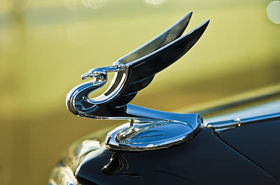 1935 Chevrolet Sedan Photograph - 1935 Chevrolet Sedan Hood Ornament 2 by Jill Reger