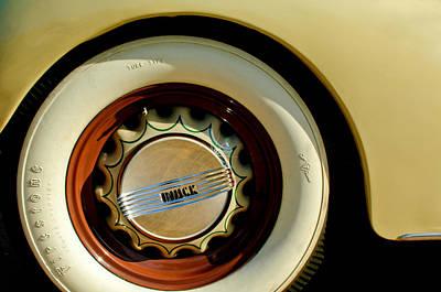 1936 Photograph - 1936 Buick 40 Series Wheel Emblem by Jill Reger