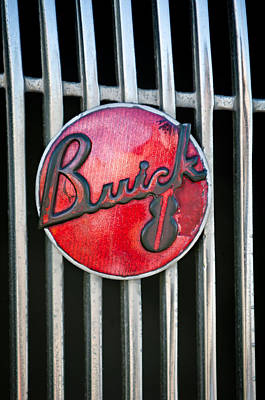 Buick Grill Photograph - 1936 Buick 8 Grille Emblem by Jill Reger
