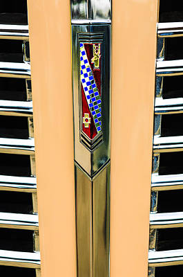 Buick Grill Photograph - 1938 Buick Coupe Grille Emblem by Jill Reger