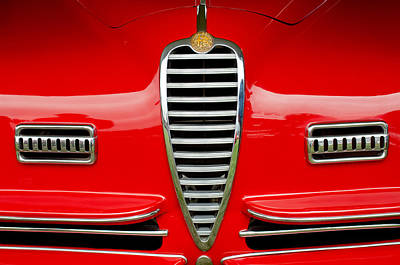 1949 Photograph - 1949 Alfa Romeo 6c 2500 Ss Pininfarina Cabriolet Grille by Jill Reger