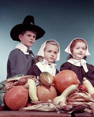 1950s 3 Children Dressed In Puritan Art Print