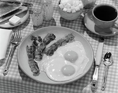 Checkered Tablecloth Photograph - 1950s Breakfast Plate Of Bacon & Fried by Vintage Images