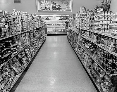 Canned Goods Photograph - 1950s Grocery Store Aisle With Canned by Vintage Images