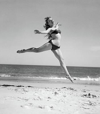 1950s Woman In Bikini Running Art Print
