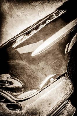 Lincoln Photograph - 1954 Lincoln Capri Side Emblem -0742s by Jill Reger