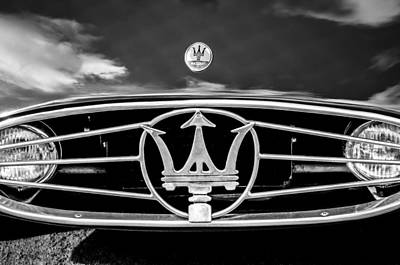 Photograph - 1954 Maserati A6 Gcs Grille Emblem -0259bw by Jill Reger