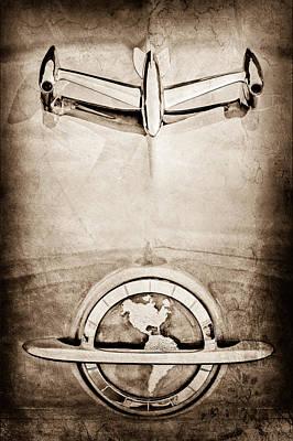 1954 Oldsmobile Super 88 Photograph - 1954 Oldsmobile Super 88 Hood Ornament - Emblem by Jill Reger