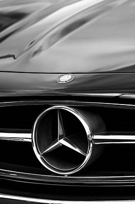 Mercedes Benz 300 Sl Classic Car Photograph - 1958 Mercedes-benz 300sl Roadster Grille Emblem by Jill Reger