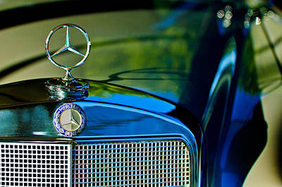 Photograph - 1960 Mercedes-benz 220 Se Convertible Hood Ornament by Jill Reger