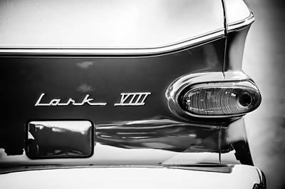 1960 Studebaker Lark Viii Taillight Emblem -154bw Art Print