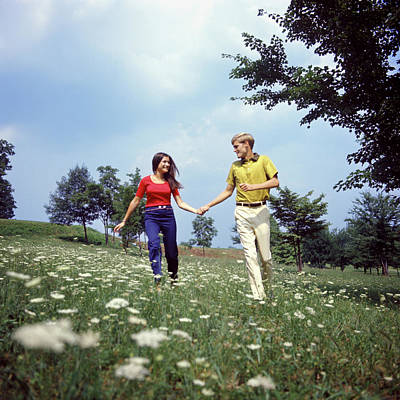 Teenage Girl Photograph - 1960s 1970s Young Teenage Couple by Vintage Images