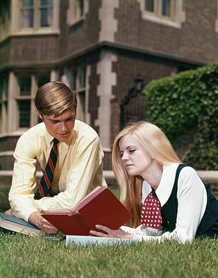 College Girls Wall Art - Photograph - 1960s Man And Woman Reading Outdoor by Vintage Images