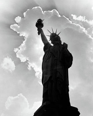 Liberty Memorial Photograph - 1960s Silhouette Of Statue Of Liberty by Vintage Images
