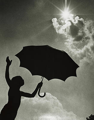 Boyhood Photograph - 1960s Silhouetted Anonymous Child by Vintage Images