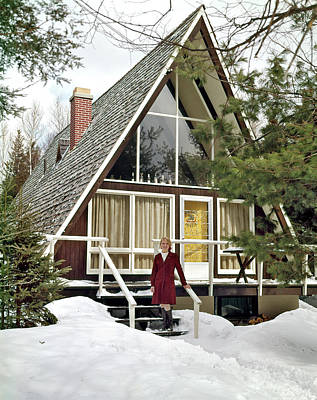 Ski House Wall Art - Photograph - 1960s Woman Standing On Steps by Vintage Images