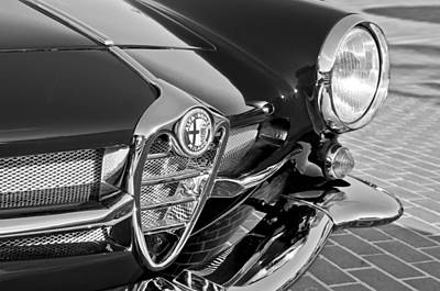 Photograph - 1961 Alfa Romeo Giulietta Sprint Speciale Ss Grille Emblem by Jill Reger