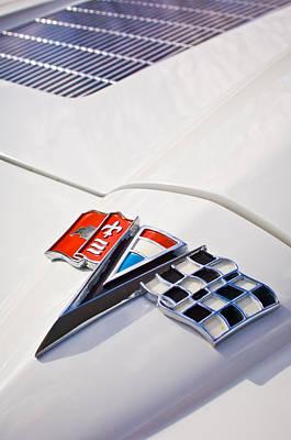 Historic Car Photograph - 1963 Chevrolet Corvette Split Window Emblem -138c by Jill Reger