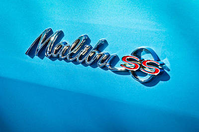 Chevy Ss Wall Art - Photograph - 1964 Chevrolet Malibu Ss Emblem by Jill Reger