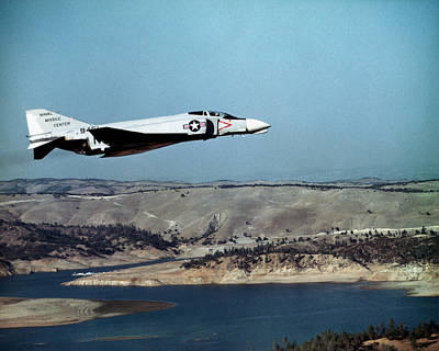 Photograph - 1964 Us Navy Phantom In Flight by Historic Image