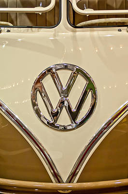 Photograph - 1965 Volkswagen Vw Samba Bus Emblem by Jill Reger