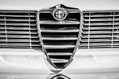Photograph - 1966 Alfa Romeo Gtc Grille Emblem -1438bw by Jill Reger