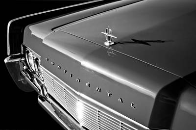 Photograph - 1967 Lincoln Continental Hood Ornament - Emblem -646bw by Jill Reger