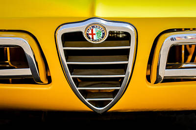 Photograph - 1969 Alfa Romeo 1750 Sider Grille Emblem -0803c by Jill Reger