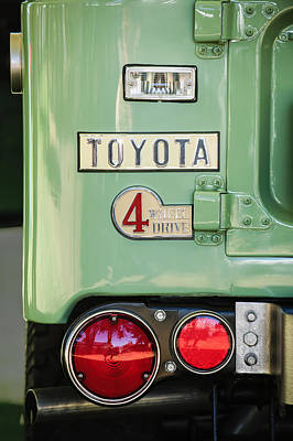 Photograph - 1969 Toyota Fj-40 Land Cruiser Taillight Emblem -0417c by Jill Reger