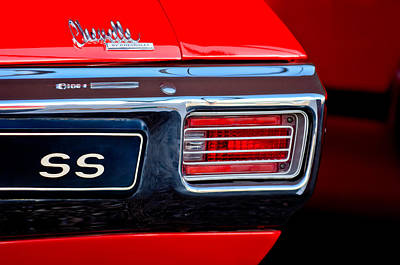 Chevy Ss Wall Art - Photograph - 1970 Chevrolet Chevelle Ss Convertible Taillight Emblem by Jill Reger