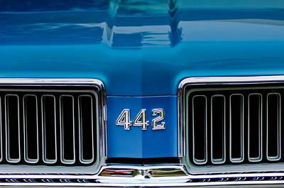 Photograph - 1970 Oldsmobile 442 Grille Emblem by Jill Reger