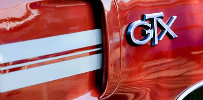 1970 Plymouth Gtx Emblem Art Print