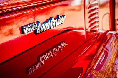Cruiser Photograph - 1977 Toyota Land Cruiser Fj40 Emblem -0952c by Jill Reger