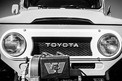 Photograph - 1978 Toyota Land Cruiser Fj40 Grille Emblem -0558bw by Jill Reger
