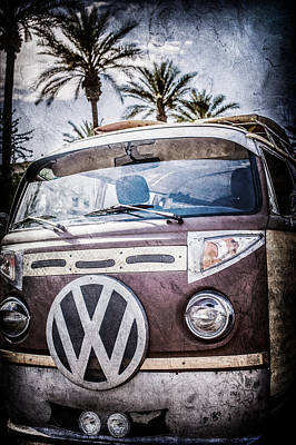 Bus Photograph - 1979 Volkswagen Vw Bus Emblem -0264ac by Jill Reger